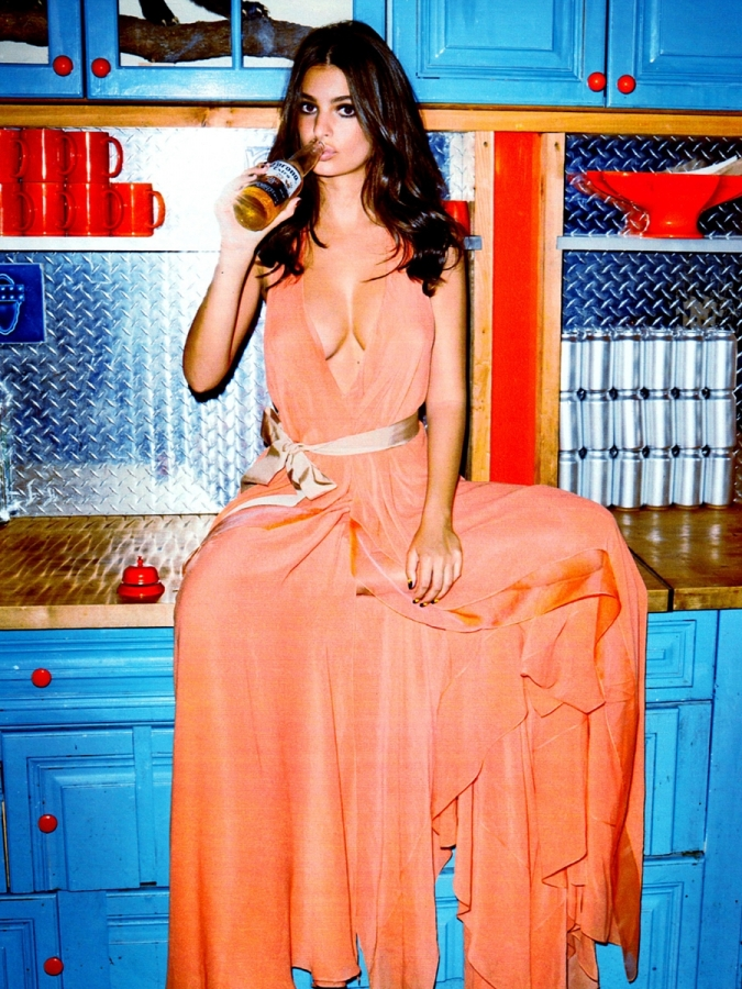 Emily-Ratajkowski-Hot-in-Cosmopolitan-Magazine-November-2014-05.jpg