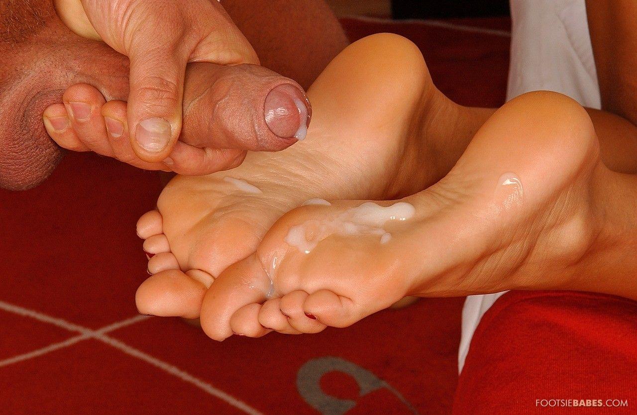 Секс ножки в сперме 13 фотография