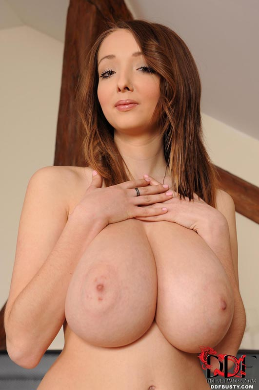 DDFBusty_Lucy_Wilde_Slim_And_Stacked_04.jpg