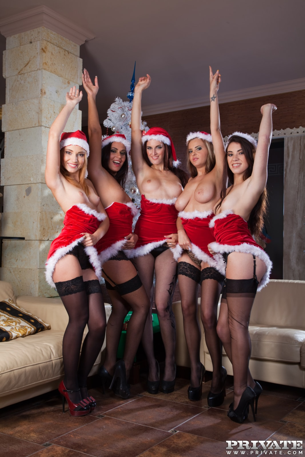 a-christmas-orgy-with-candy-alexa-nataly-von-tiffany-doll-5659468-2385443396.jpg
