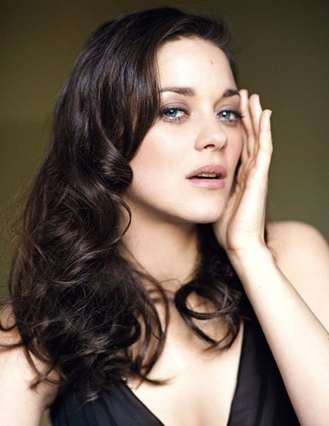 Marion-Cotillard-Long-Hairstyle-Big-Curls.jpg