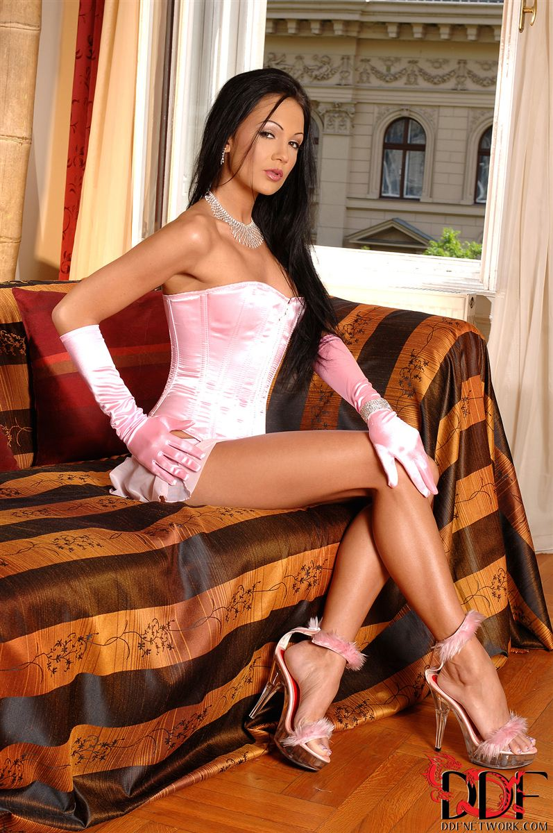 regina-moon-fingers-her-pussy-with-pink-gloves-in-lingerie-1.jpg